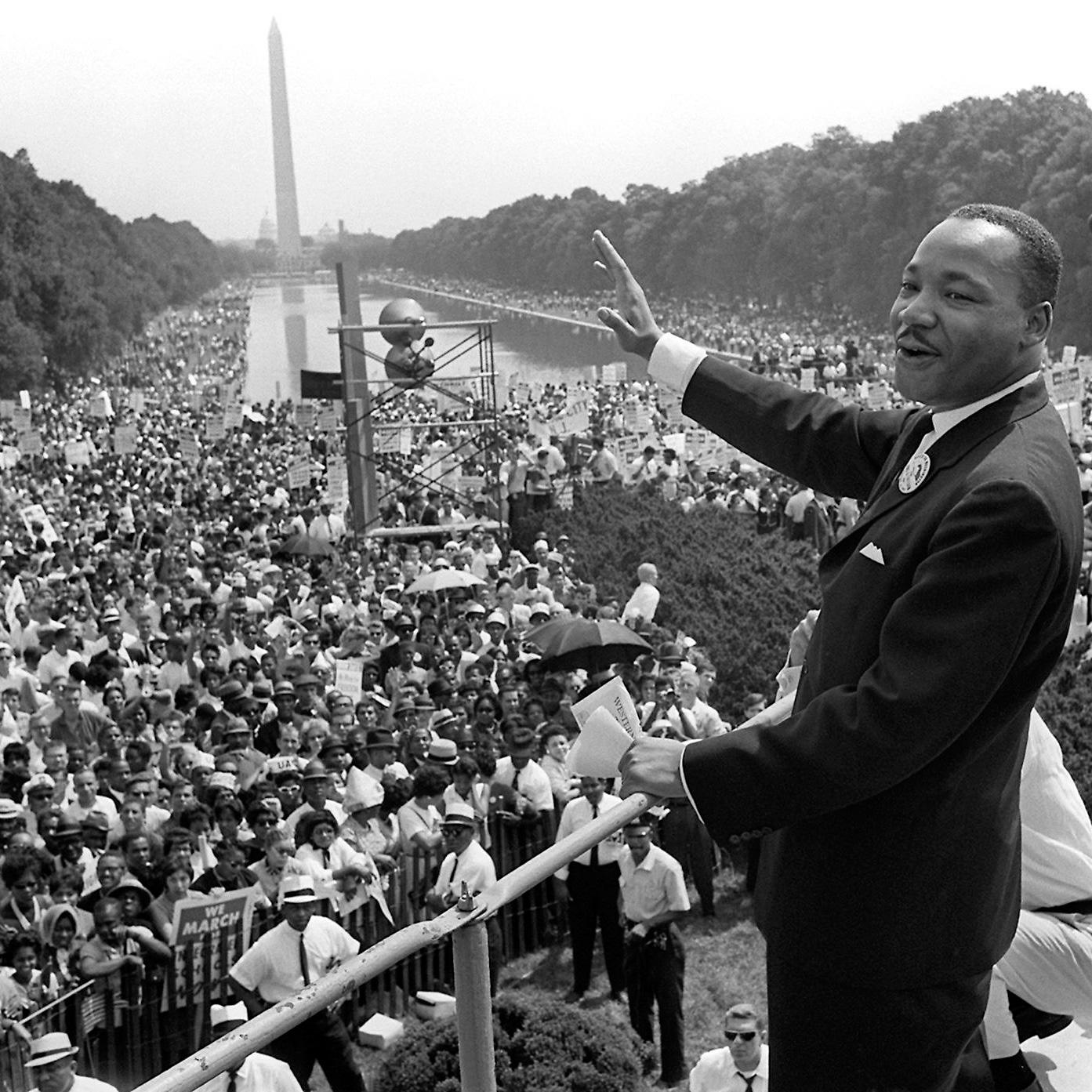 the leadership of martin luther king in a non violent fight for civil rights in the united states of